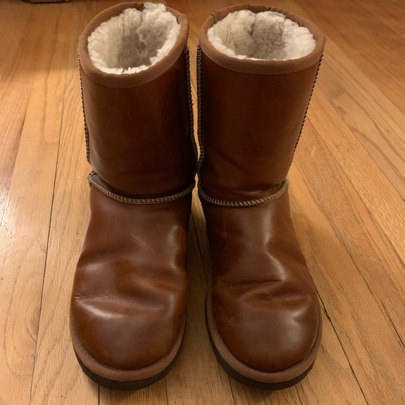 905184ebdcd UGG Classic Short Leather Chestnut Boots